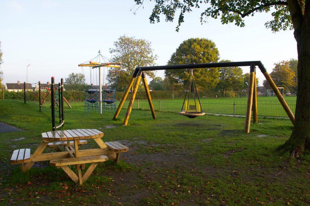 DDA Cantilever Swing